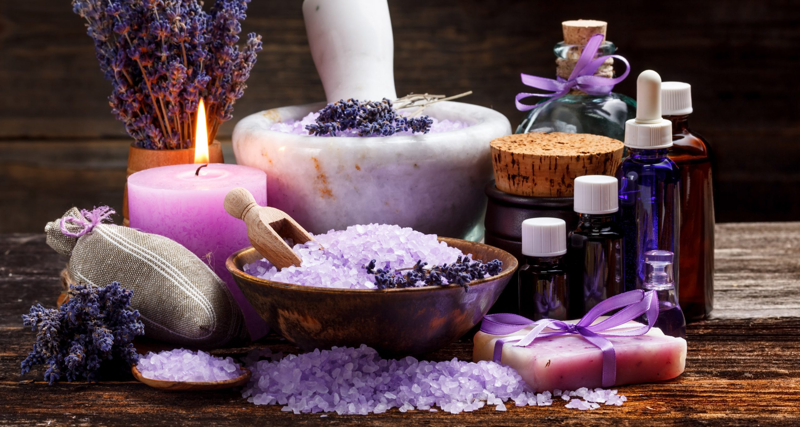 Best Lavender Essential Oil 2021: Shopping Guide & Review